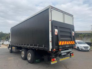 tail lifts truck